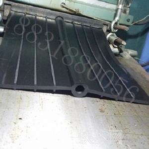 英德300×8橡胶止水带专业提供-- 衡水宏基橡塑有限公司