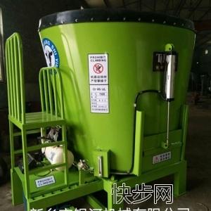 4立方TMR饲料搅拌机-- 新乡市银河机械电器有限公司